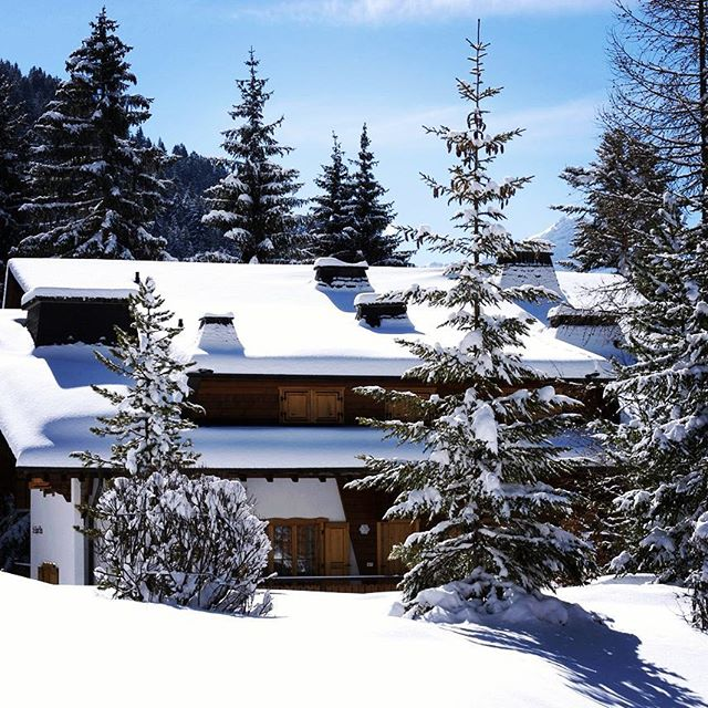 Great to have this new #chalet addition to the collection tucked away at 1750m for new season ahead  #hidden #mountain #mountains #logcabin #snow #photooftheday #hospitality #skichalet #alps #skilodge #winter #vacation #retreat #escape #luxurylifestyle #travel #altitude #living #europe #love #instagood #snowgram #beautiful