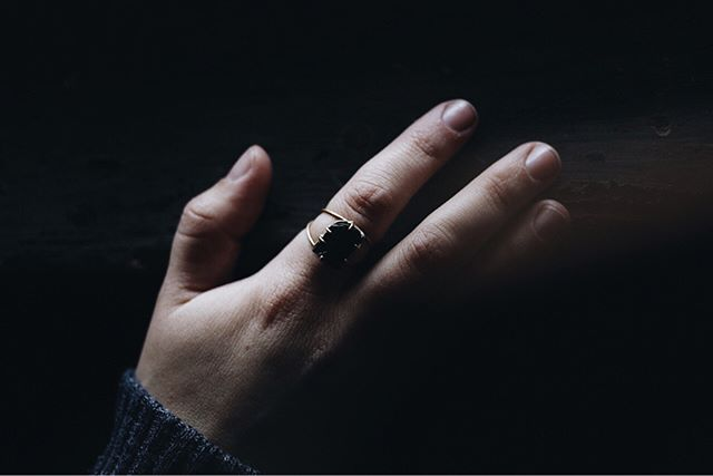 ✨ Black tourmaline ring and river pebble pendant 🌑 ✨  Photography: Ella Arie