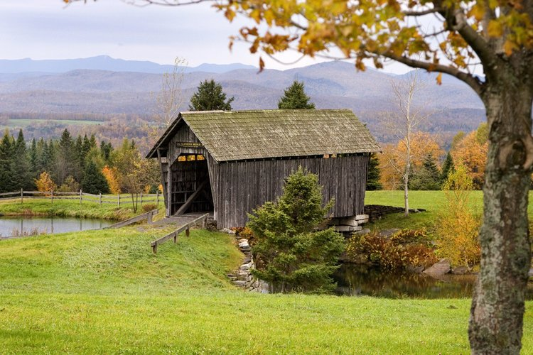 Visit the Covered Bridges of Vermont - Bring your camera and use this interactive map to find all of the covered bridges in Vermont!