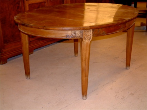 Leon Jallot Dining Table And Chairs 1094