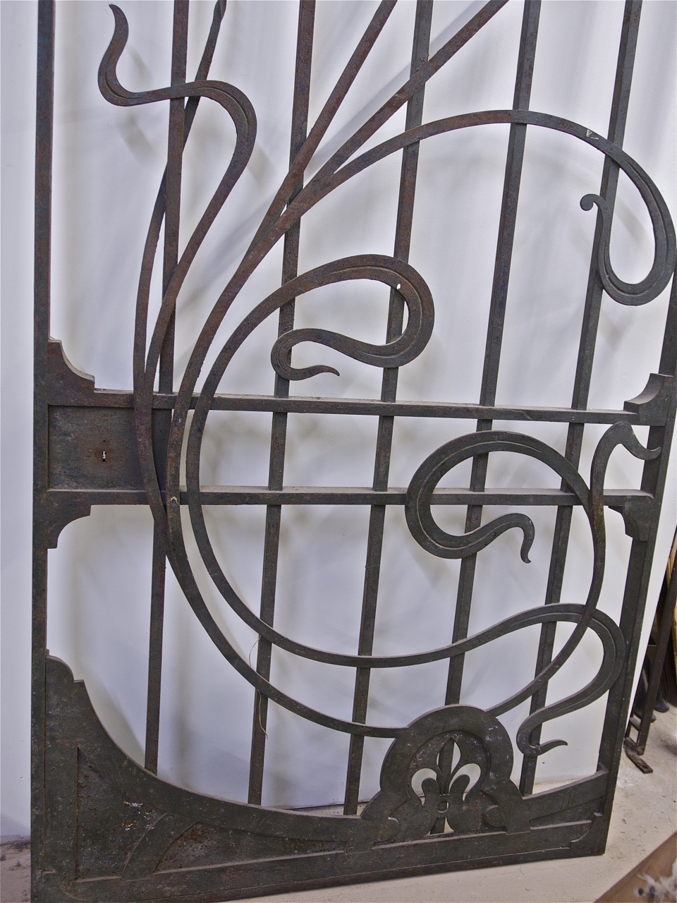 Art Nouveau forged iron door/gate (#1322) & Art Nouveau forged iron door/gate (#1322) \u2014 Calderwood Gallery