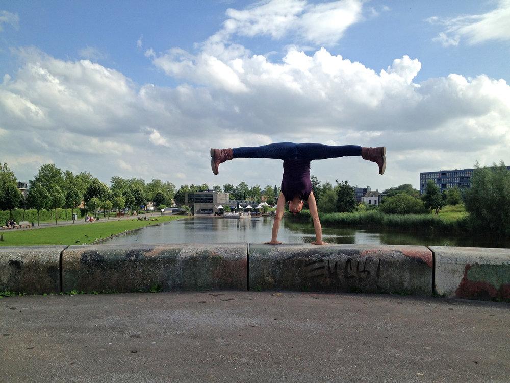 Handstands in Utrecht