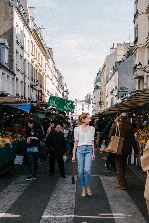 - Au marché