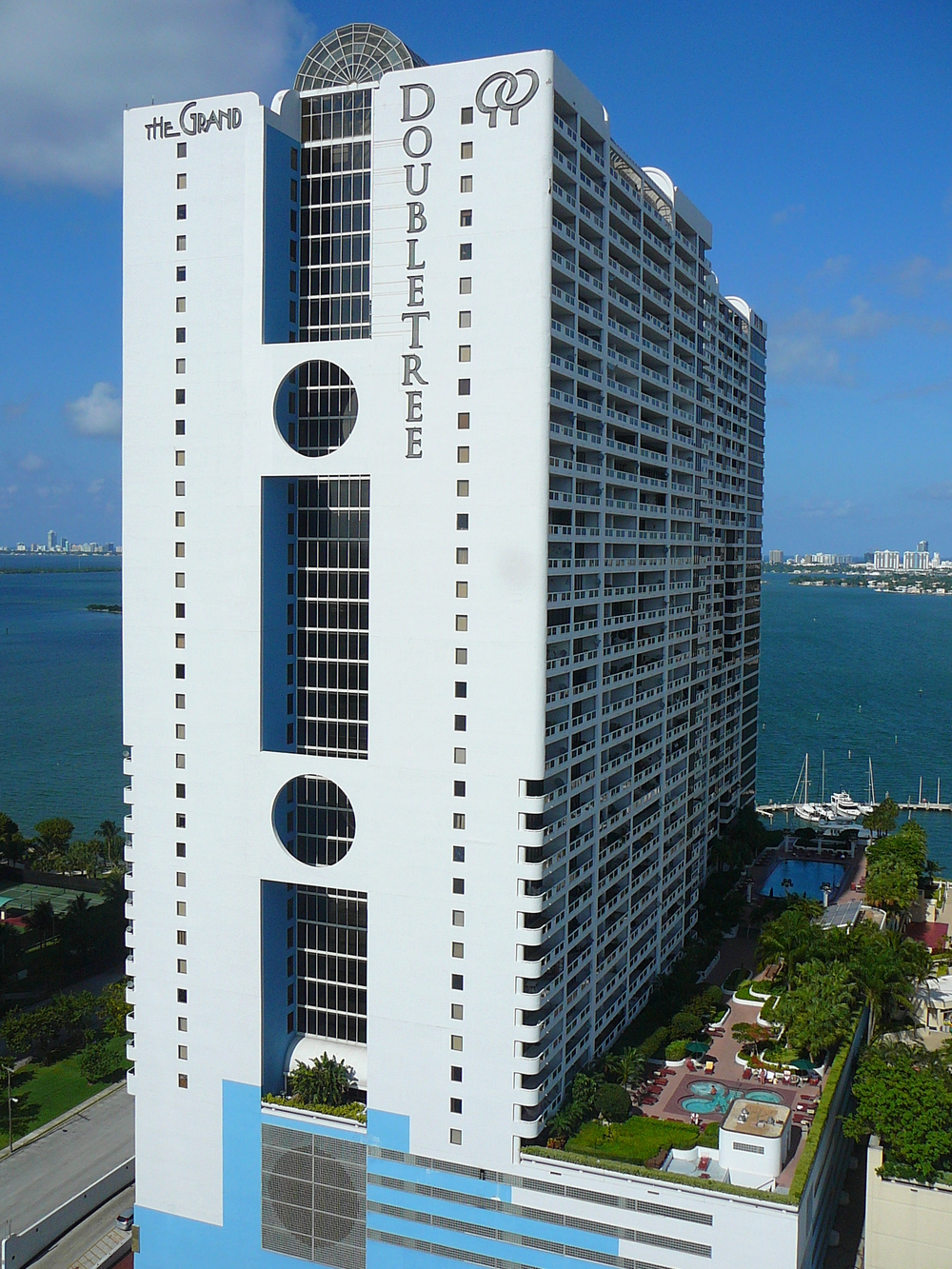 Doubletree_Grand_Hotel_Biscayne_Bay.jpg