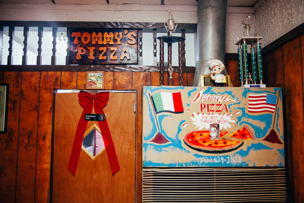 the-new-york-pizza-project-tommys-pizza-throgs-neck-shop-wall