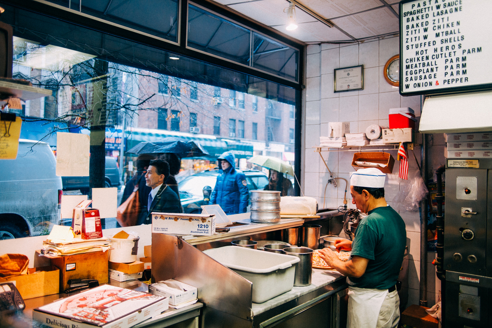 the-new-york-pizza-project-mikes-pizza-upper-east-side-shop