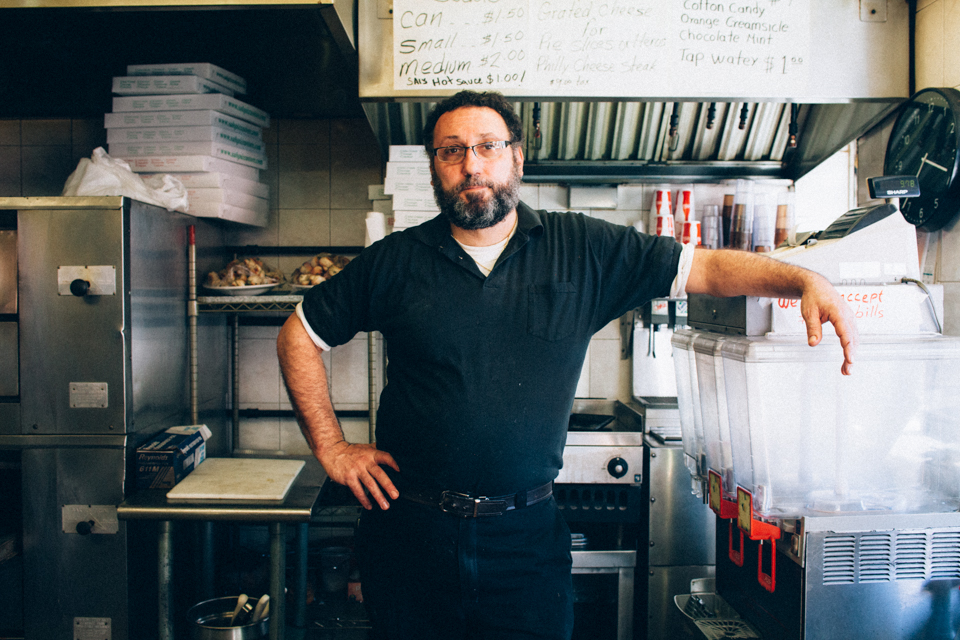 the-new-york-pizza-project-sals-pizzeria-carroll-gardens-maker-john