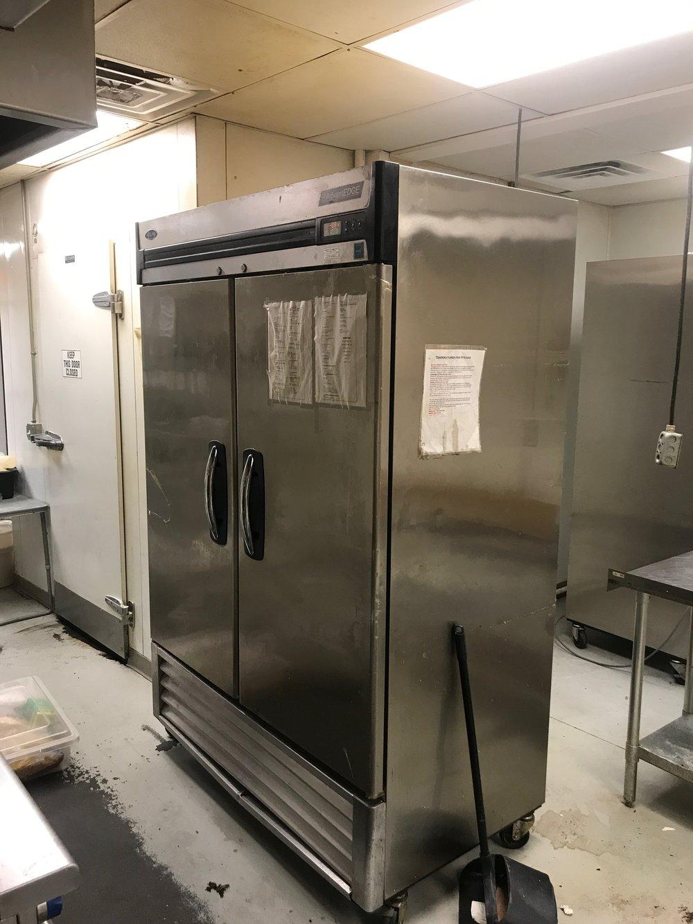 AdvantEdge Reach-In Freezer 2door 49cf