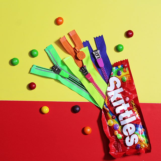Wanna taste? Link in bio for more flavors on our KIDZIP 👅💥 #TalonZippers #Skittles #Details #Creative