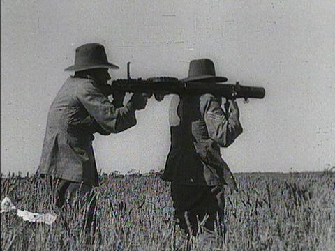 Machine gun crew.jpg