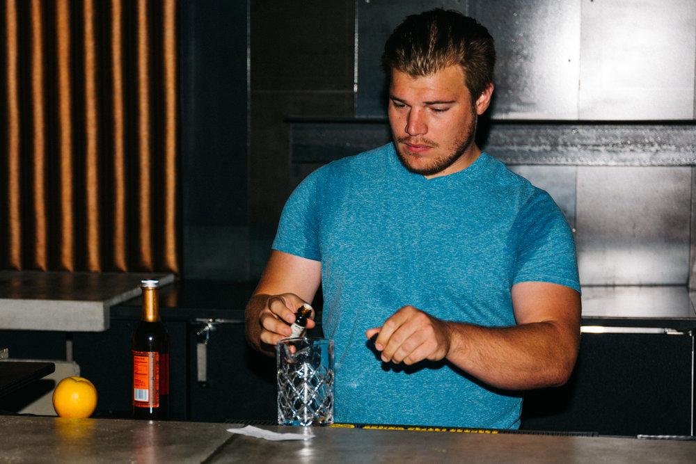 JUSTIN KADERABEK  Bartender Monteverde