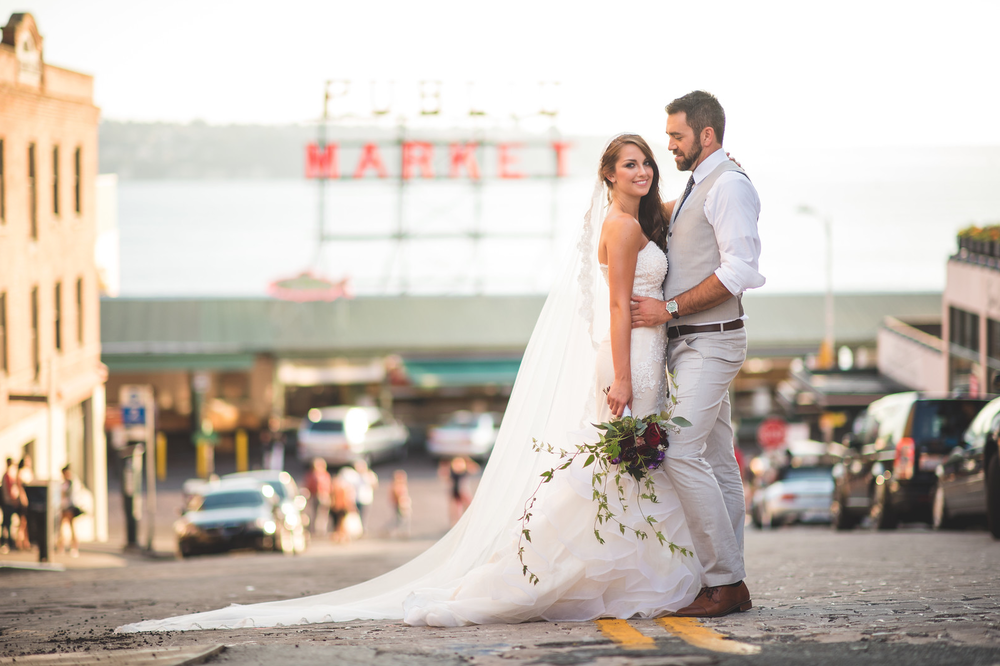 pike place market wedding.png