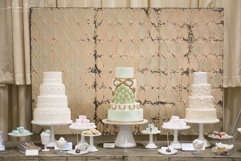 handpainted-wedding-cakes_001.jpg