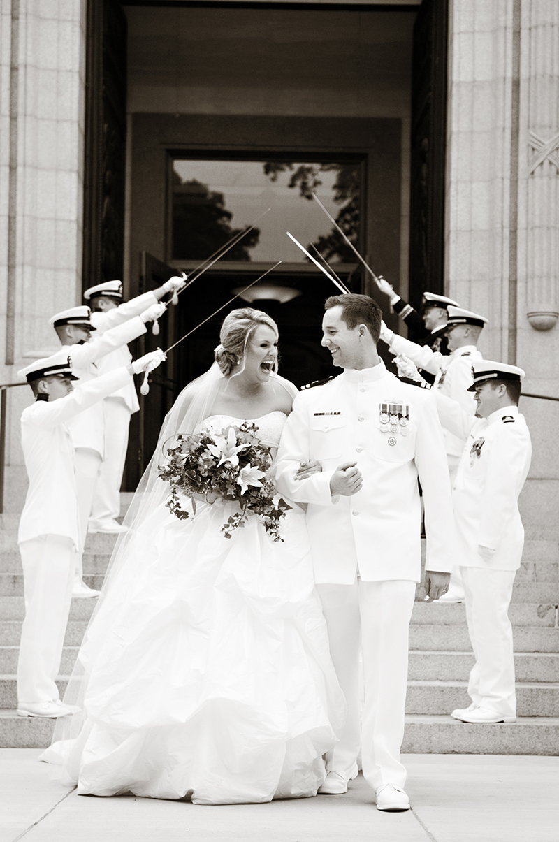 sword-arch-united-states-naval-academy-wedding.jpg