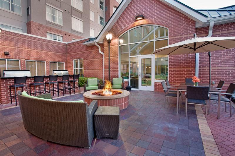 ADA-Mobility-Shower-view-2----BWIRH---Residence-Inn-Hunt-Valley-(42)_web.jpg
