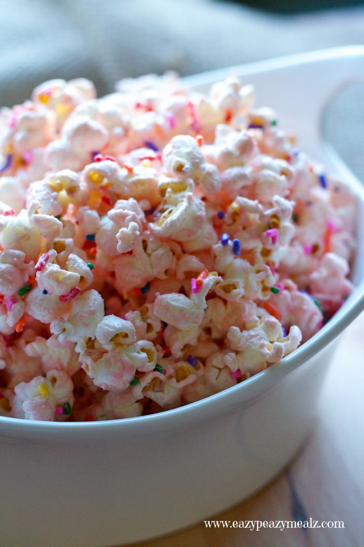Drizzle popcorn with melted white or pink chocolate melts, and sprinkle with princess coloured sprinkles!
