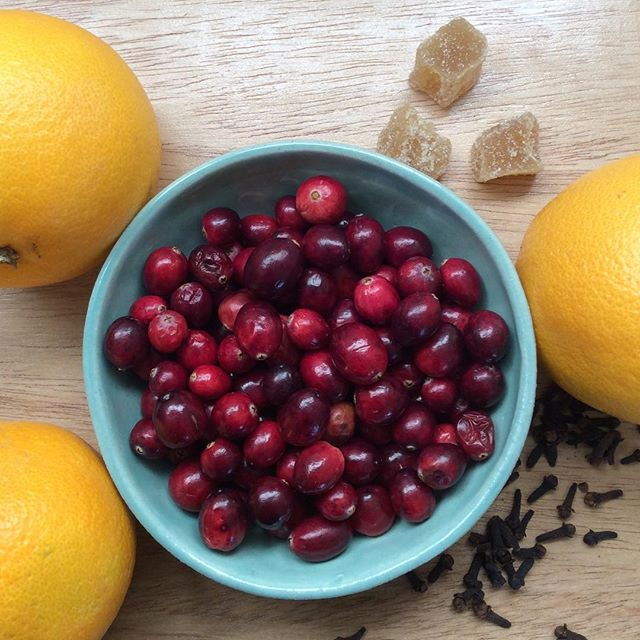 Time to make fresh cranberry sauce! . . #localfood #organicfood #organic #cranberry #sauce #gastronomy #goodfood #goodeats #eat #thanksgiving