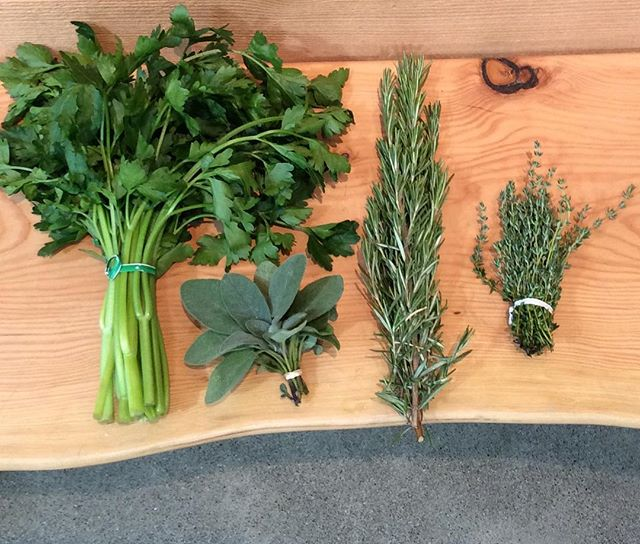 Are you going to Scarborough Fair? . . . #earworms #parsley #sage #rosemary #thyme #thanksgiving #eat #local #localfood #produce #goodeats #goodfood #foodie #gastronomy