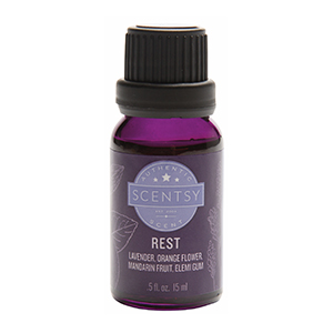 Drift into a relaxing state with calming lavender and sweet orange blossom while stress-relieving mandarin and elemi help calm your mind and soften your environment.