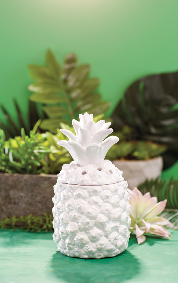queen-pineapple-scentsy-warmer.jpg