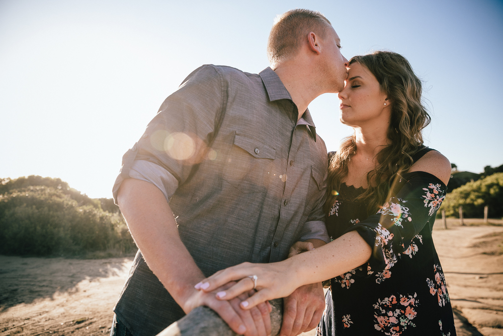 DANYELLE_&_ERIC_ENGAGEMENT_SESSION_SUNSET_CLIFFS_LEAF_WEDDING_PHOTOGRAPHY_2015IMG_2356.JPG