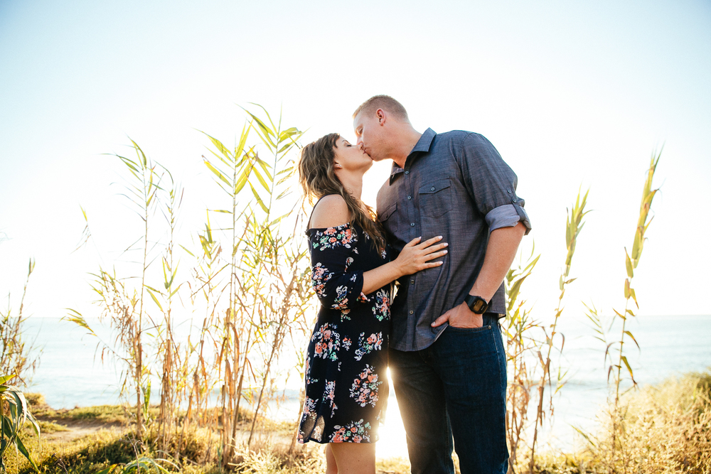 DANYELLE_&_ERIC_ENGAGEMENT_SESSION_SUNSET_CLIFFS_LEAF_WEDDING_PHOTOGRAPHY_2015IMG_2458.JPG