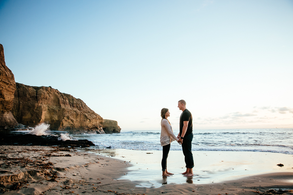 DANYELLE_&_ERIC_ENGAGEMENT_SESSION_SUNSET_CLIFFS_LEAF_WEDDING_PHOTOGRAPHY_2015IMG_2528.JPG
