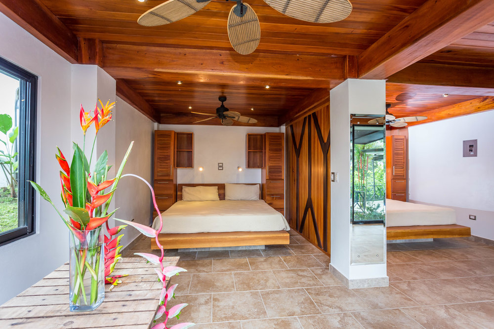 PACKAGE 2 - DELUXE QUEEN  Features: Based on Double Occupancy, Shared Bath, Ocean or Jungle Views, Air Conditioning, Queen Size Beds