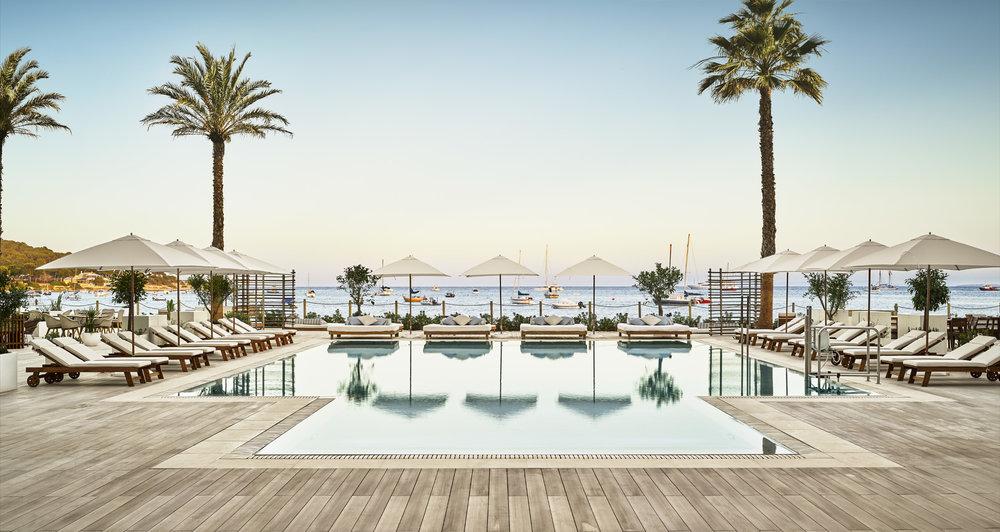 Pool deck (2).jpg