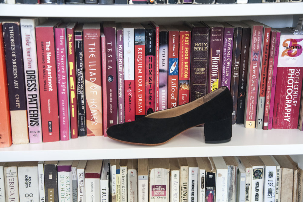 Belu Pump on Mengy's bookshelf.jpg