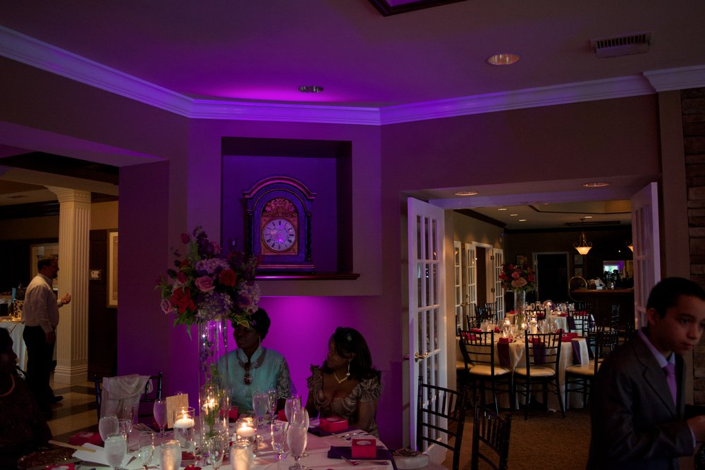 uplighting 2 @ white columns country club.jpg