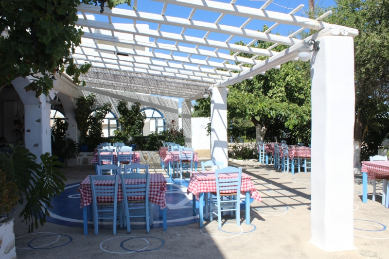 GenniferRose_GreekRestaurant1
