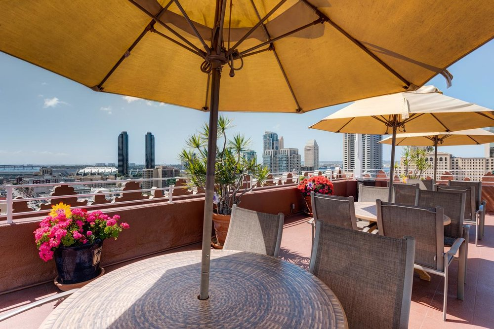 Gaslamp Plaza Suites -
