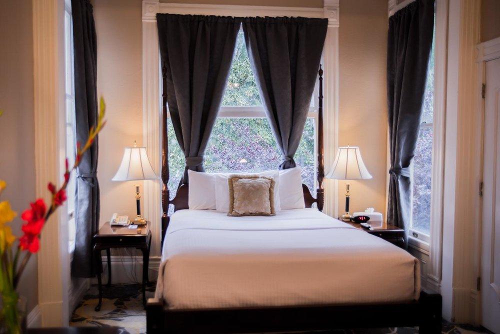Sterling Hotel -