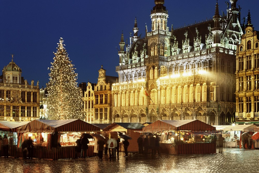 Brussells-Christmas-Market-Vogue-4Nov15-Rex_b_1440x960.jpg