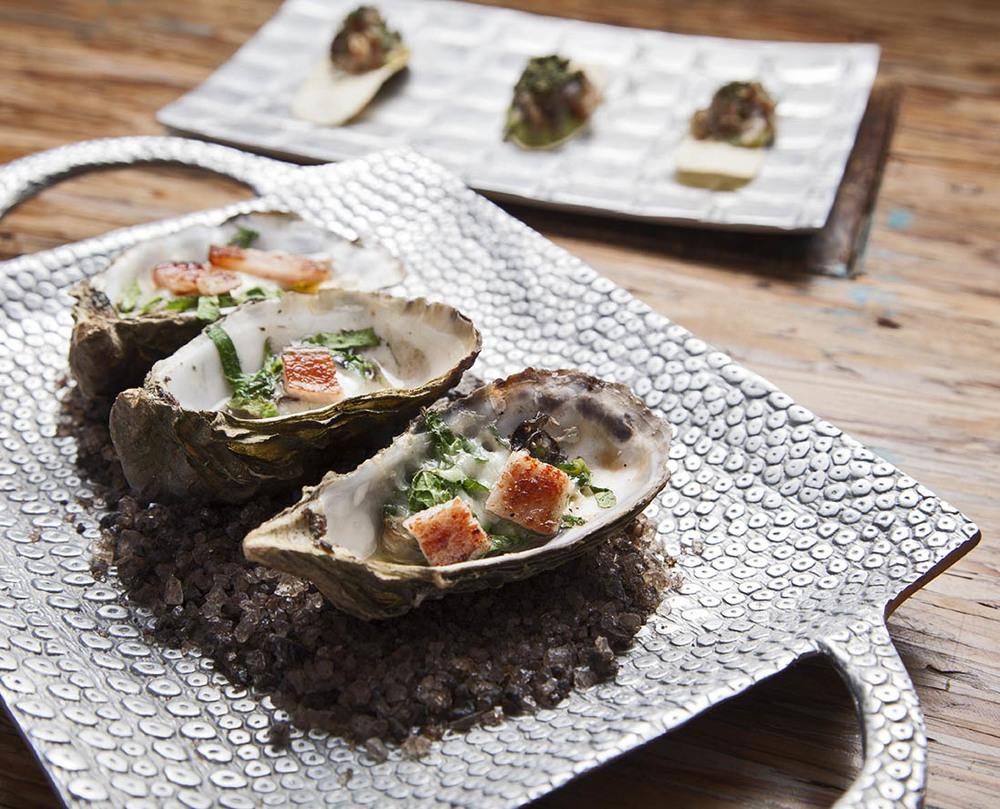 Oysters at Corazon de Tierra Photographer: Fernando Carmela