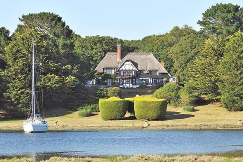 3)Beaulieu River The spec: 7 bedrooms, £8m