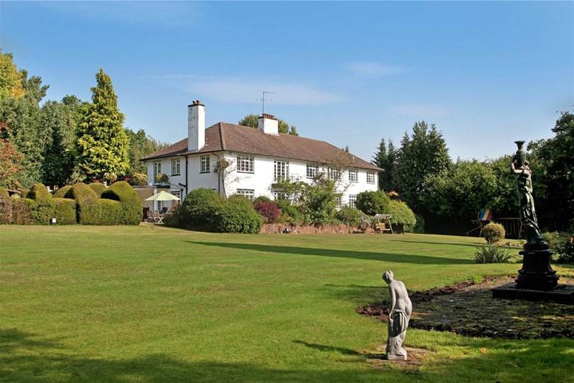 6) Surrey The spec: 9 bedrooms, £5.9m