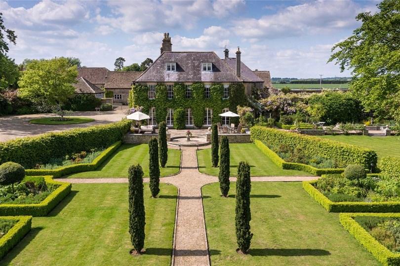 7) Wiltshire The spec: 9 bedrooms, £5.95m