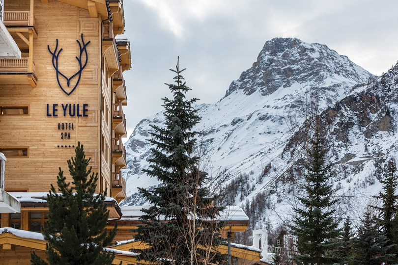 The best ski resorts in europe alexis day agency luxury brand marketing pr - Le yule val d isere ...