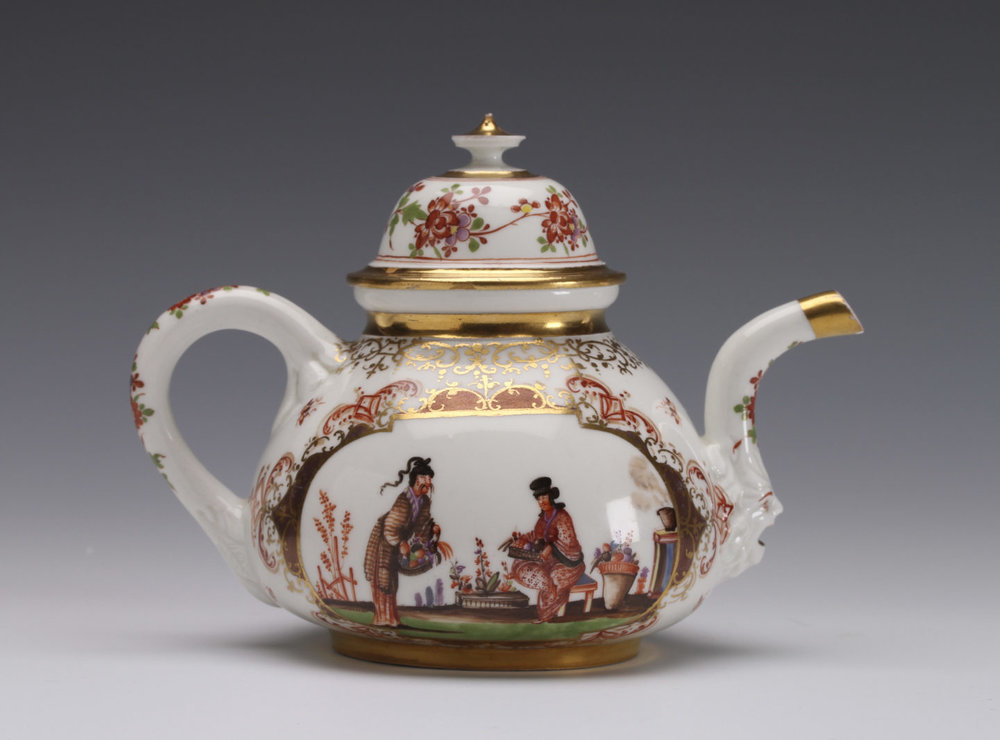 Meissen Teapot With Chinoserie Design