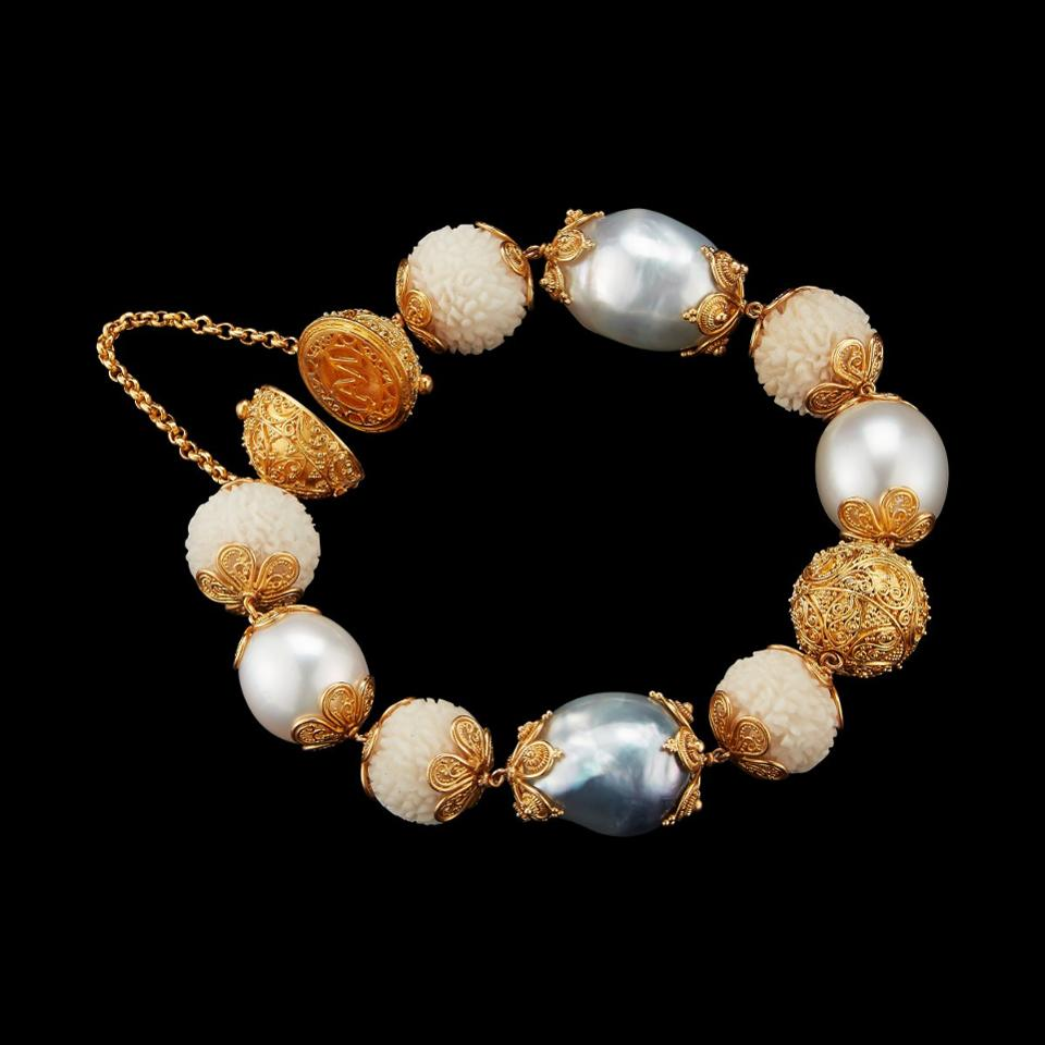 Tagua seed, baroque pearls and 22k gold beads bracelet