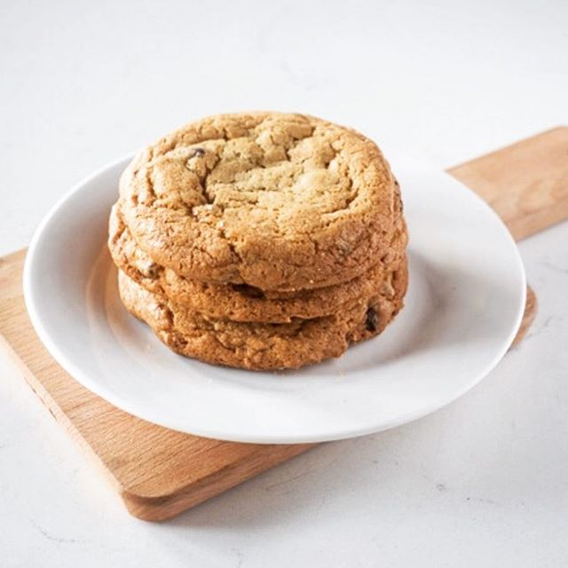 Foodē bakes from scratch cookies daily! Come see us for lunch. #madewithlovedaily #foodefresh #foodecafe #foodelove #foodevanwa #vanwa #discovervanwa #freshbaked #yum #delicious