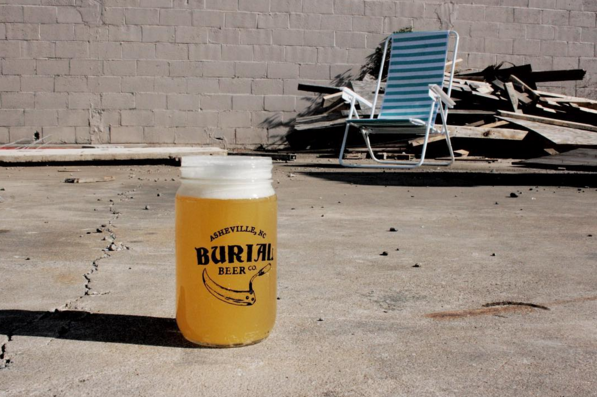 Burial Beer's Lawnchair Pale Ale pours hazy blonde with a subtle hop aroma that evolves into lemon and honeydew melon flavors from the abundant addition of El Dorado, Belma, and Amarillo hops.
