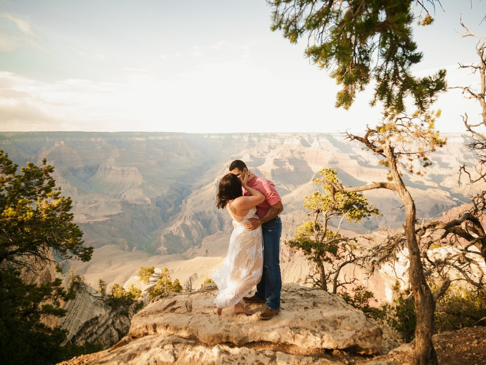 SOPHIA & BOBBY - Grand Canyon engagement session