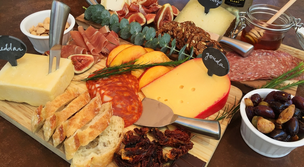 How to build an EPIC cheese and charcuterie board | My Engineered Nutrition & How to Build an Epic Cheese and Charcuterie Board \u2014 My Engineered ...