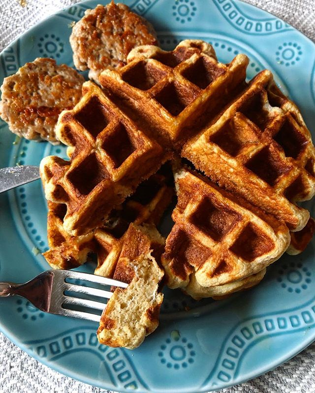 "Gluten Free Belgian Protein Waffles! Whew, that's a mouthful to say...but also an even better mouthful to eat 😏 My big purchase on Black Friday this past year was a Belgian waffle iron and I'm completely in love with it. After researching and trying lots of different recipes, I cobbled together this for my own protein waffle recipe (somewhat following @bobsredmill basic waffle recipe...sorta): • 1. In a large bowl mix together 1 c @kingarthurflour gluten free baking mix, 1/2 c collagen protein (I use @greatlakesgelatin), 2 tsp baking powder, 1/2 tsp baking soda, 1/2 tsp salt, 1 tbsp coconut sugar. 2. Separate 4 eggs into whites and yolks, keeping all 4 egg whites but only 2 egg yolks. In a stand mixer or separate bowl whip the whites until they become stiff (this takes a few minutes). 3. While the whites are whipping I mixed together 3/4 c 2% milk, 2 egg yolks, 2 tbsp unsweetened applesauce, 1 tbsp olive oil and 1 tsp vanilla extract. 4. Whisk the yolk/milk wet ingredients into the dry until it becomes a well combined batter. 5. Finally, GENTLY fold the egg whites into the batter with a spatula. 6. Pour into a preheated waffle iron! That's all! I have a thick 1.5"" waffle iron so I am able to make 4 waffles. • Each waffle is 265 calories (23g protein, 28g carbs, 7g fat) - Enjoy! #myengineerednutrition #belgianwaffle #glutenfreewaffles #proteinwaffles"