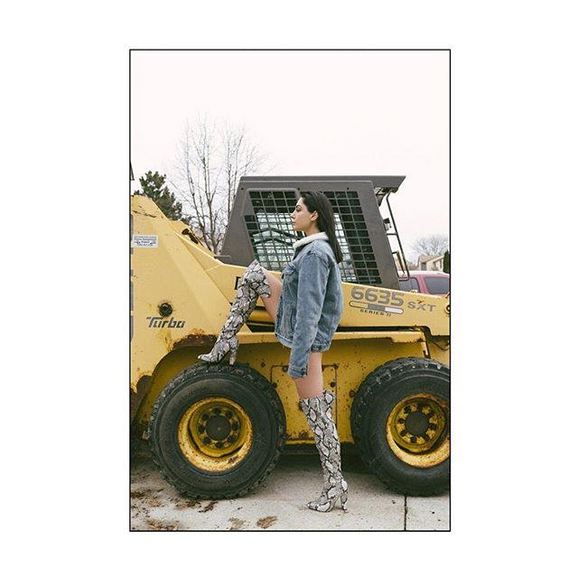 Middle west 🚜 . . . . . . . . . . . . . . . #losangeles #fashionphotography #photoshoot #model #conceptual #photography #art #snow #conceptualphotography #winterdaze #winteroutfit #dazedandconfused #idmagazine #nikon #girlgaze #girlgang #fashion #burberry @ssense #photogenicsla #idmagazine #zara @burberry @zara @dazedfashion #detroit #detroitphotographer @dmm.management #ssense