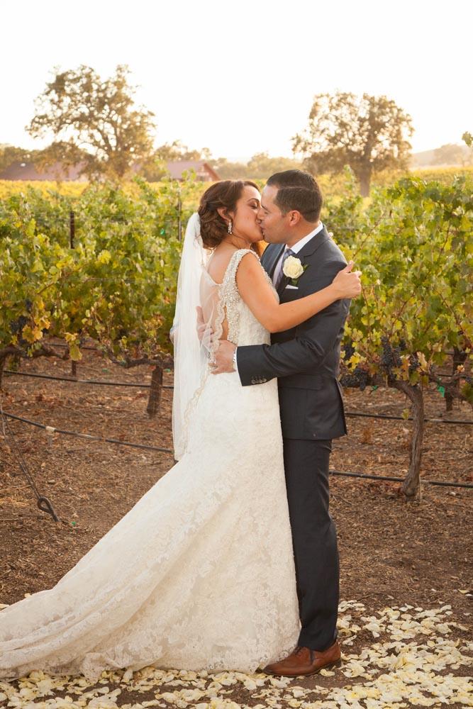 Summerwood Winery and Inn Wedding031.jpg