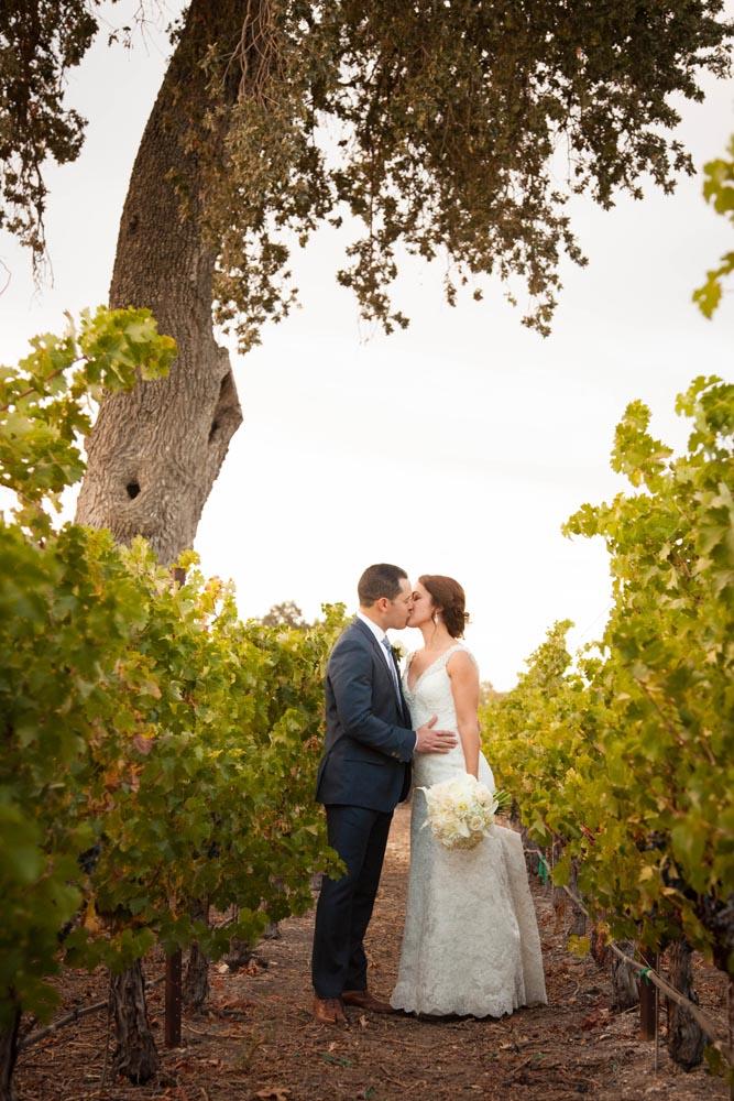 Summerwood Winery and Inn Wedding036.jpg